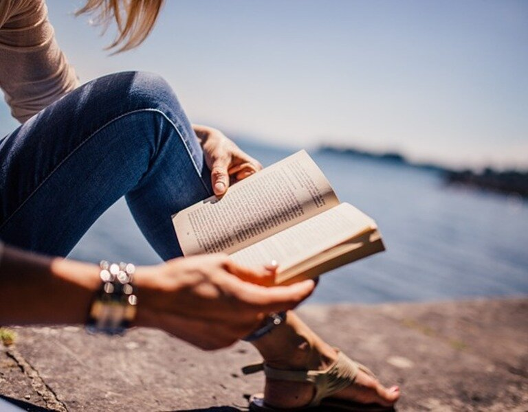 Reading 925589 640